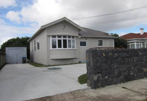 Three Kings, THREE BEDROOM BEAUTY - CONVERTED BUNGALOW, Property ID: 26000940 | Barfoot & Thompson