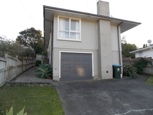 Mt Roskill, Beautifully Presented Home, Property ID: 26001004 | Barfoot & Thompson
