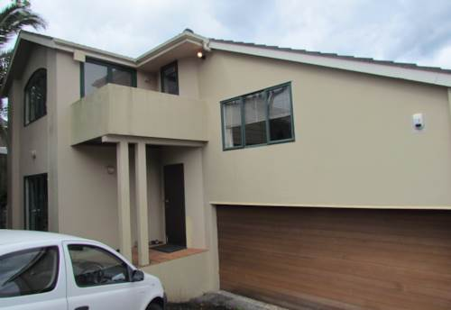 Takapuna, Four bedroom home in convenient location, Property ID: 28000241 | Barfoot & Thompson