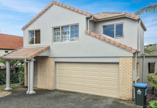 Mt Wellington, 4 BEDROOM - DOUBLE GARAGE - PANMURE BASIN LOCATION , Property ID: 30000845 | Barfoot & Thompson