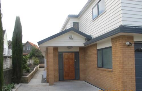 Greenlane, TIDY 2 LEVEL TOWNHOUSE, Property ID: 30001478 | Barfoot & Thompson