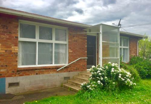 Panmure, Newly Refurbished Brick and Tile Unit in Panmure, Property ID: 34000166 | Barfoot & Thompson