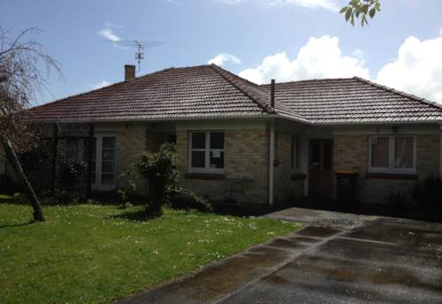 Papakura, 54 Clevedon Road, Papakura, Property ID: 34000686 | Barfoot & Thompson