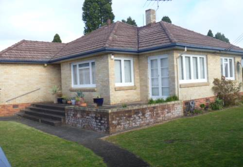Papakura, Clevedon Rd Cottage, Property ID: 35000014 | Barfoot & Thompson