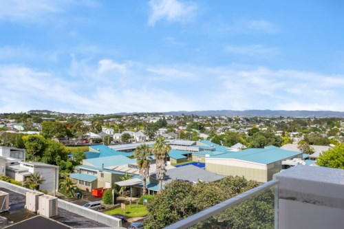 Ponsonby, Refresh, hit re-set come see this lovely apartment , Property ID: 37000180 | Barfoot & Thompson