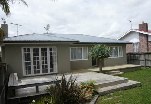 Pukekohe, LOVELY IN LANDSCAPE, Property ID: 46000283 | Barfoot & Thompson