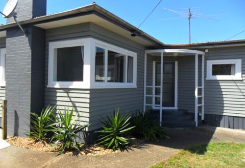Pukekohe, GREAT POSITION, Property ID: 46000298 | Barfoot & Thompson