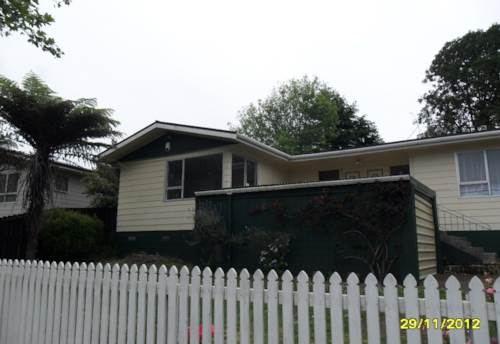 Pukekohe, RENOVATED AND READY, Property ID: 46000775 | Barfoot & Thompson
