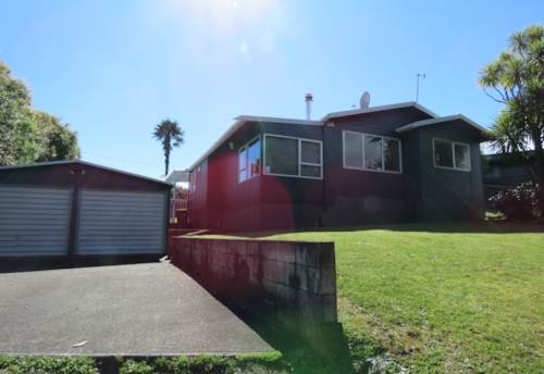 Glenbrook Beach, Glenbrook Beach - Move In For Summertime, Property ID: 55000118 | Barfoot & Thompson